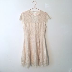 BB DAKOTA OFF WHITE LACED DRESS 10 H5